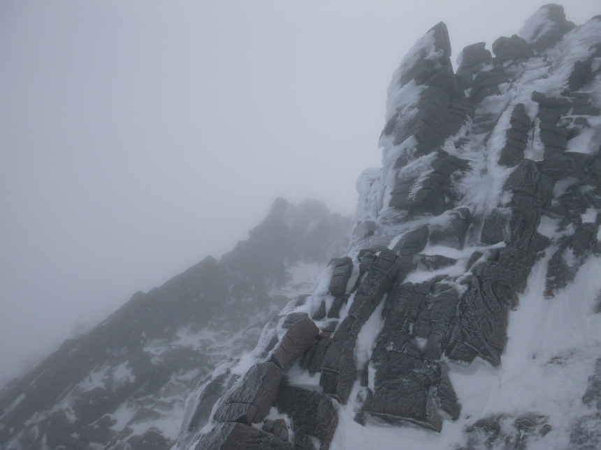 Top of Western Rib and Fingers Ridge riming up in the wind
