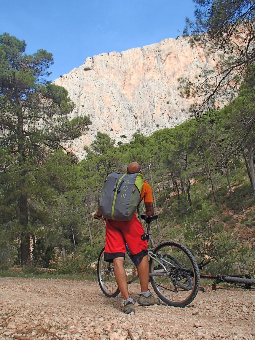 Approach to Leyva Main Face, some of the best rock around the Costa Blanca