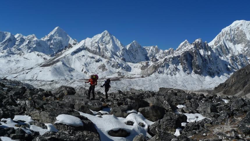 Trekking towards the Nangpa La