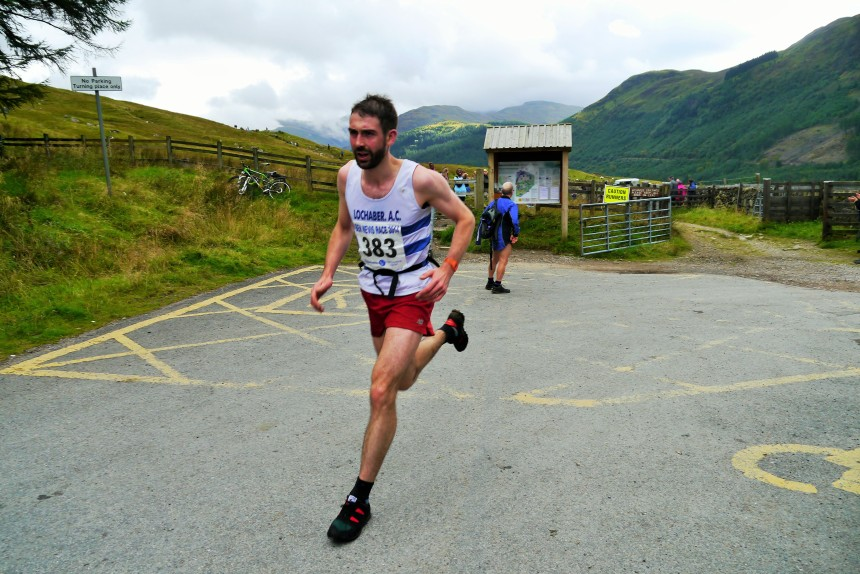 Finlay Wild on his way to winning the Ben Nevis race for the 5th time (photo: Insidethelens.com)