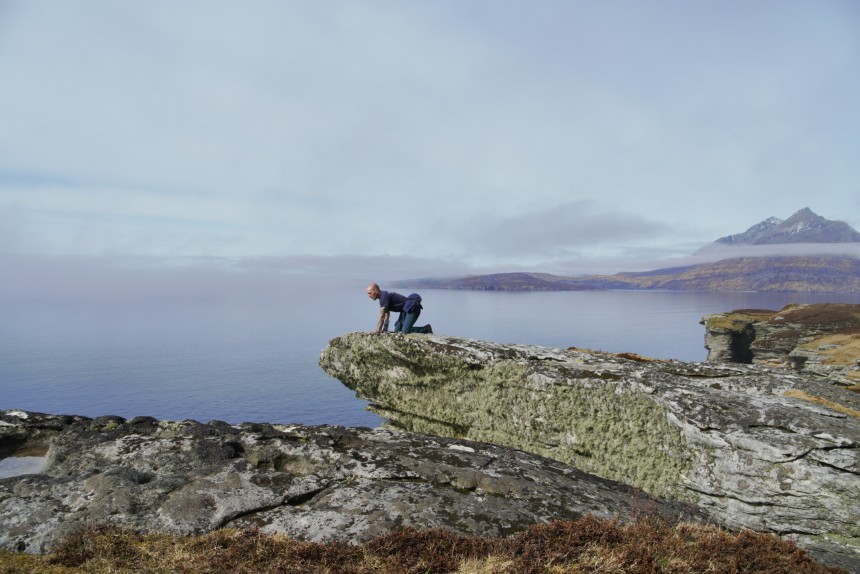 Exploring sea cliffs on Skye (photo: Insidethelens)