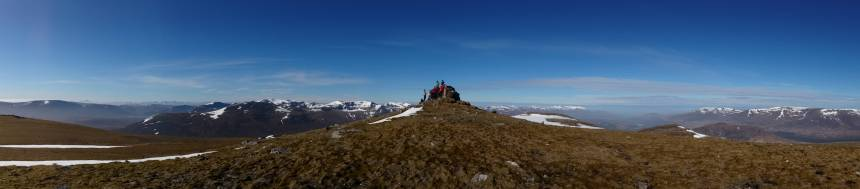 Summit Geal Charn