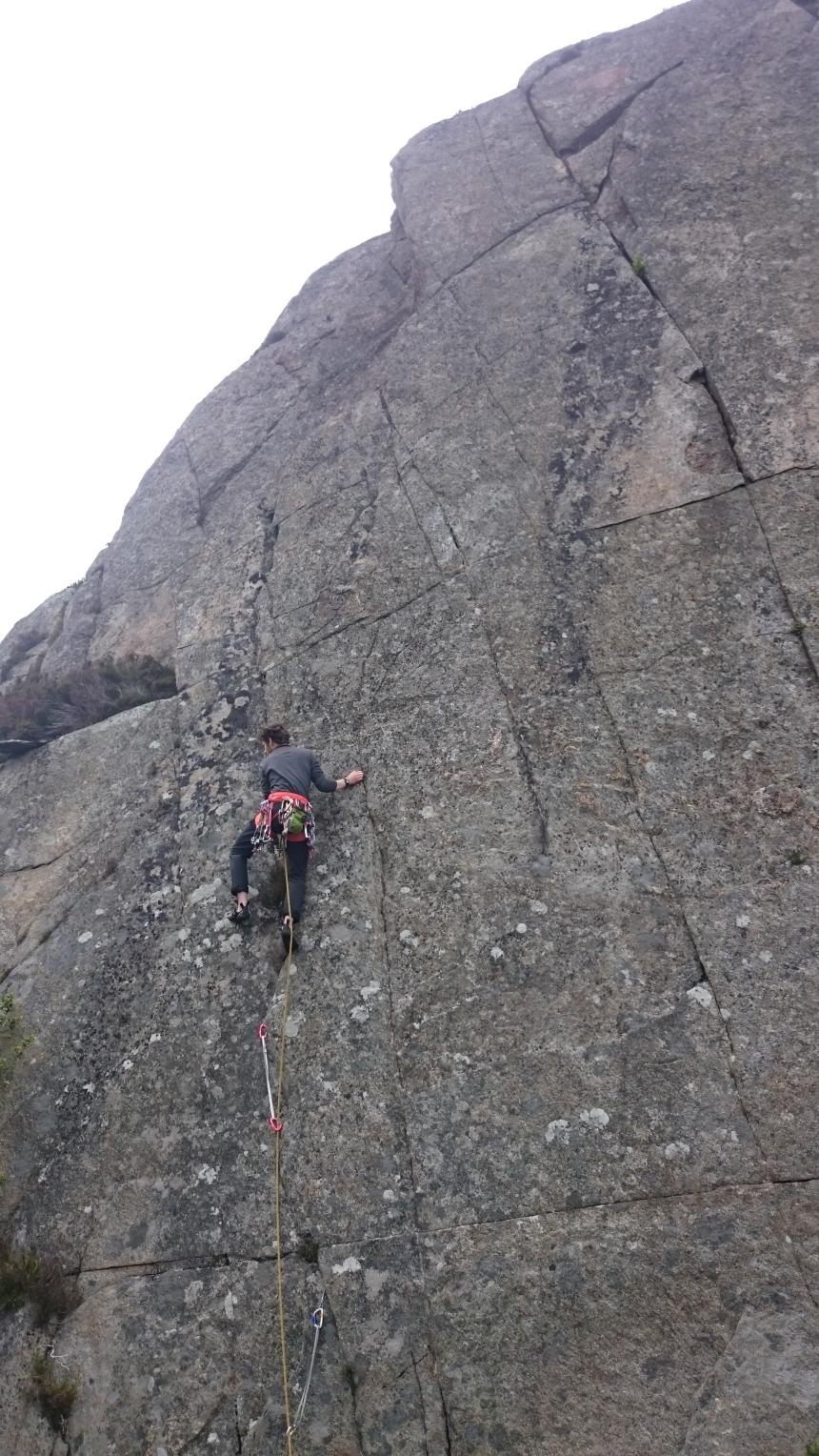David climbing Midgearamadrama VS,4c