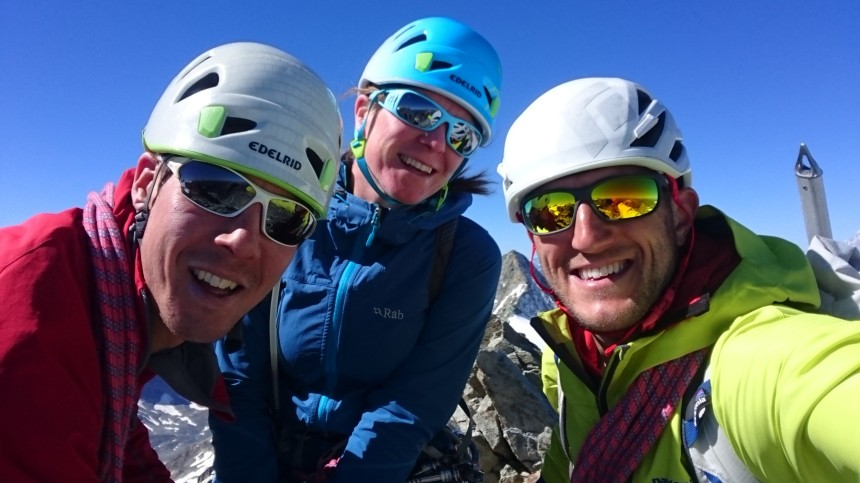 The team on the summit of MBdC